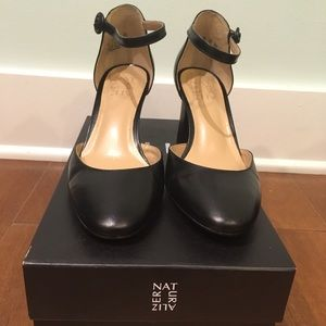 Naturalizer Gianna ankle strap pumps